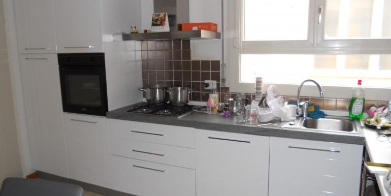 cucina abitabile arredata