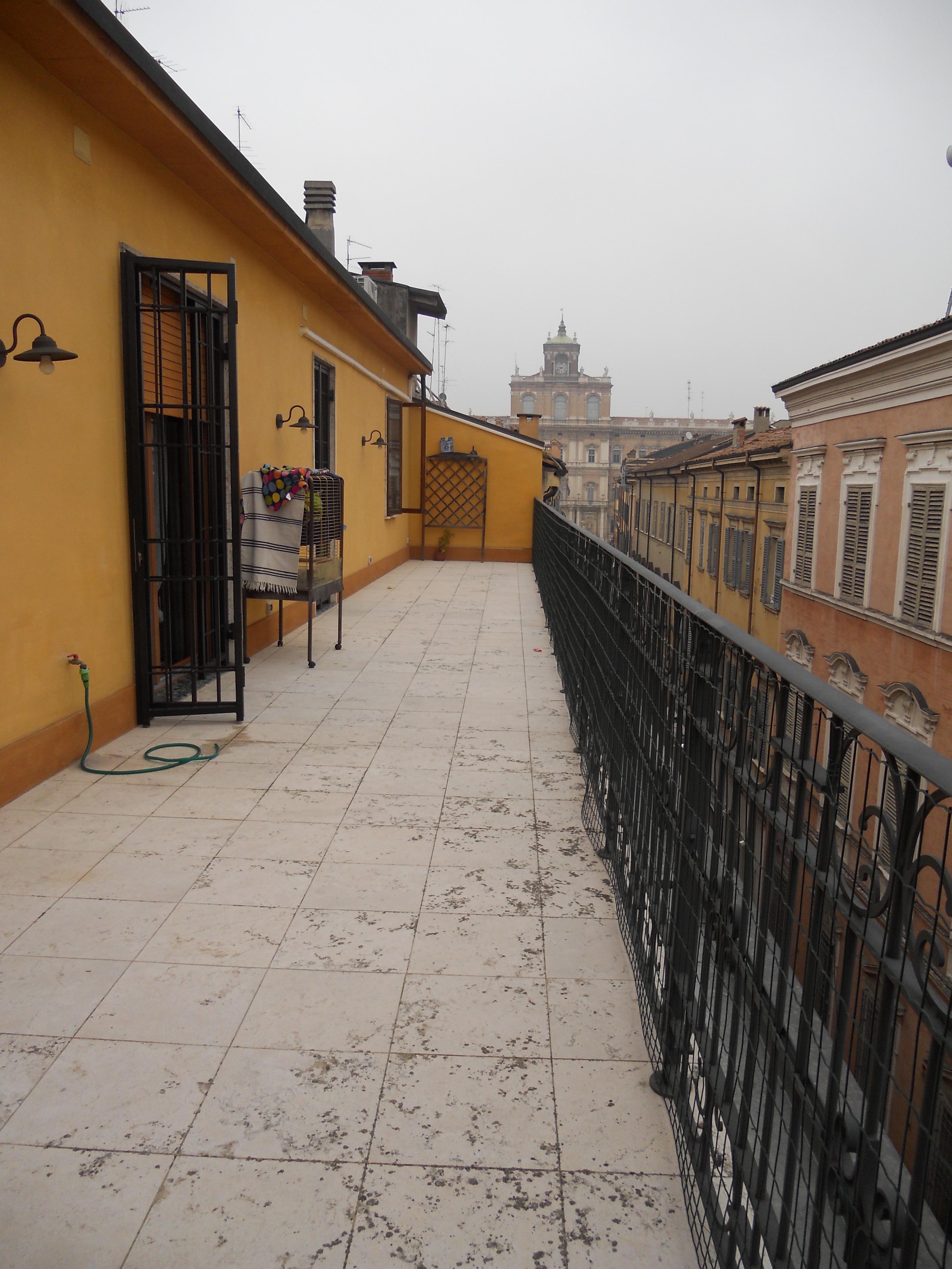 CENTRO STORICO – ATTICO con grande terrazzo – 5 camere da letto.