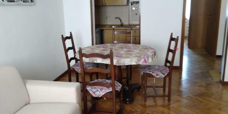 1 - soggiorno con angolo cottura