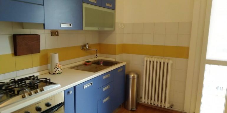 2- Angolo cottura con balconcino