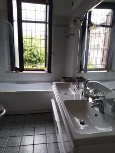 6 -bagno con vasca