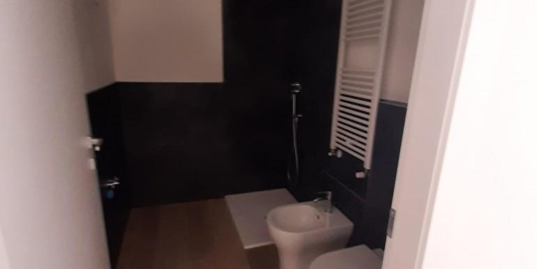 9 -bagno con doccia